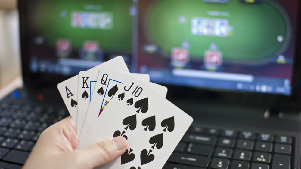 How To Pay Attention To Strategy When Playing Online Poker Gambling